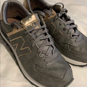 Rose gold gray new balance shoes